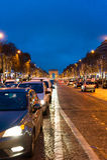 Champs-à ‰ lysées τη νύχτα Στοκ Φωτογραφία