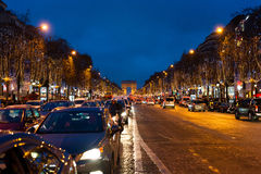 Champs-à ‰ lysées τη νύχτα Στοκ εικόνες με δικαίωμα ελεύθερης χρήσης