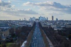 Champs-à ‰ lysées, Arc de Triomphe και ο παρισινός ορίζοντας Στοκ φωτογραφία με δικαίωμα ελεύθερης χρήσης