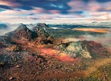 Champs des eaux chaudes et humides dans le volcan de Krafla Images libres de droits