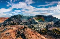 Champs des eaux chaudes et humides dans le volcan de Krafla Images stock