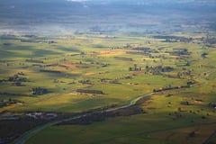 Champs du Nouvelle-Zélande d'en haut Photo libre de droits