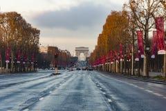 Champs Elysees Arc de Triomphe Parijs stock afbeeldingen
