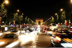 Champs-Elysees aveny. Elysian sätter in royaltyfri fotografi