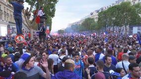 Champs-Elysees aveny i Paris i Frankrike efter den 2018 världscupen lager videofilmer