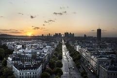 Champs-Elysees och Laförsvar Royaltyfri Bild