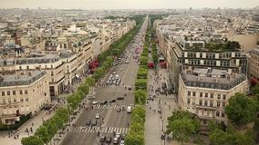 Champs-Elysees in Paris frankreich stock video