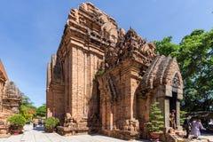 Chamtorens van po Nagar Beroemd paleis in Nhatrang, Vietnam Stock Foto's