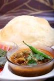Chana masala z bhature, indyjski korzenny naczynie fotografia stock