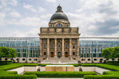 Chancellerie bavaroise d'état à Munich photographie stock