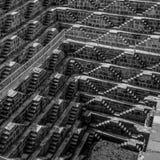 Chand Baori i svartvit stepwell Indien royaltyfria bilder
