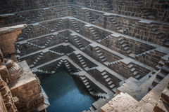 Chand Baori, un des stepwells les plus profonds en Inde Images stock