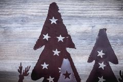 Chandelier de Noël en métal noir avec son renne de Noël photos libres de droits