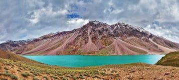 Chandra Tal湖在喜马拉雅山 免版税库存照片