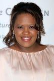 Chandra Wilson obtient aux 2012 amis unis du gala d'enfants Image stock