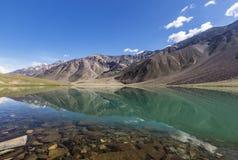 Chandrataal jezioro Zdjęcia Royalty Free
