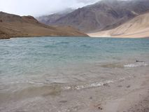 Chandratal湖在Spiti 免版税库存照片