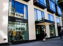 Chanel, rua de Newbury, Boston, miliampère fotos de stock