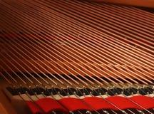 Chaînes de caractères de piano Photo stock