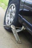 Changement d'un pneu photo libre de droits