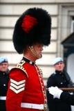 Changement du dispositif protecteur au Palais de Buckingham Photo libre de droits