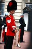 Changement du dispositif protecteur au Palais de Buckingham Photographie stock