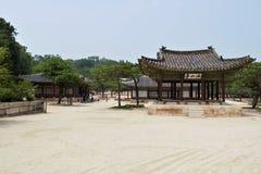 Changgyeonggung宫殿的,汉城,韩国Haminjeong亭子 免版税库存图片