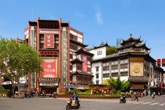 Changhaï, Chine - mai 2019 : Bâtiments historiques de style chinois dans le secteur du jardin de Yuyuan à Changhaï, Chine Vieux C image stock