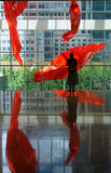 Changhaï Kerry Center et fille Photos stock