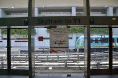 Changi Lotniskowy Skytrain przy Changi lotniskiem Fotografia Royalty Free