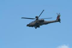 Changi Singapore - Februari 6,2010: Attackhelikopter för RSAF AH-64 Apache Arkivfoto