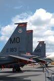 Changi, Singapur - febrero 6,2010: El tailfin de los aviones de combate de Eagle de la huelga del U.S.A.F.F-15E Imagen de archivo
