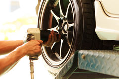 Changing car wheel-3 Royalty Free Stock Images