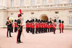 Changing of the guard in Buckingham Palace Royalty Free Stock Photos