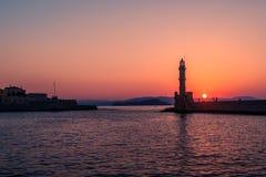Chania, Crete, Grecja: latarnia morska w Weneckim schronieniu Zdjęcia Royalty Free