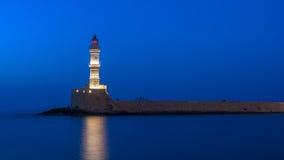 Chania, Crete, Grecja: latarnia morska w Weneckim schronieniu Zdjęcie Royalty Free
