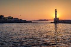 Chania, Crete, Grecja: latarnia morska w Weneckim schronieniu Zdjęcia Stock