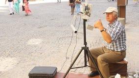 Chant d'homme objets électroniques banque de vidéos