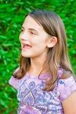 Chant heureux de fille photo libre de droits