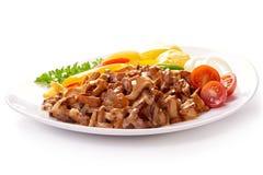Chanterelle frite de champignons en sauce crémeuse avec les pommes vapeur Image stock