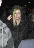 Chanteur Avril Lavigne à l'aéroport de LAX. Images stock
