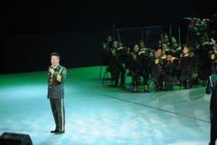 Chanteur célèbre Yan Weiwen-theFamous de militaires et classicconcert Photos stock