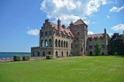 Chanteur Castle situé sur l'île foncée dans le St Lawrence Seaway, l'état de New-York Images libres de droits