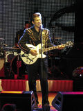 Chanteur Chris Isaak de concert Photos libres de droits