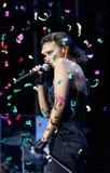 Chanteur espagnol Chenoa faisant des gestes pendant l'émission en direct Photos libres de droits