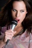 Chanteur féminin photos stock