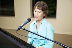 Chanteur professionnel images libres de droits