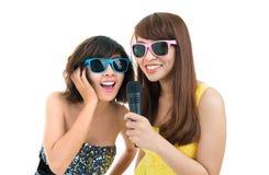 Chanteurs de karaoke Photos stock
