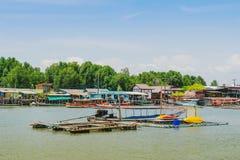 CHANTHABURI, TAJLANDIA: KWIECIE? 15, 2019 sceneria wioska rybacka ziemi wioska na Kwietniu 15,2019 przy uderzeniem Chan, Khlung, obraz stock