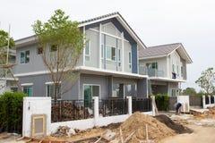 Chantier de bâtiment et de construction de nouvelle maison pour le logement photographie stock